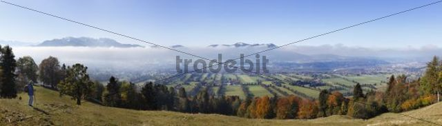 Panoramic view from Sonntratn Mountain near Gaissach over the Isar valley, looking towards Brauneck, Benedict Wall, Zwiesel and Blomberg, with Bad Toelz on the right, Isarwinkel, Upper Bavaria, Ba