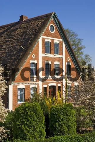 Old farm house, Altes Land Area near Hamburg, Lower Saxony, Germany