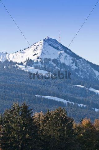 Snow-covered Mt Gruenten, first snowfall in autumn, from Brosisellegg, Allgaeu region, Bavaria, Germany, Europe