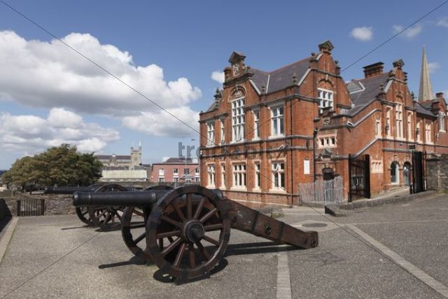 Cannons on the city walls, Londonderry, County Derry, Northern Ireland, Great Britain, Europe, PublicGround