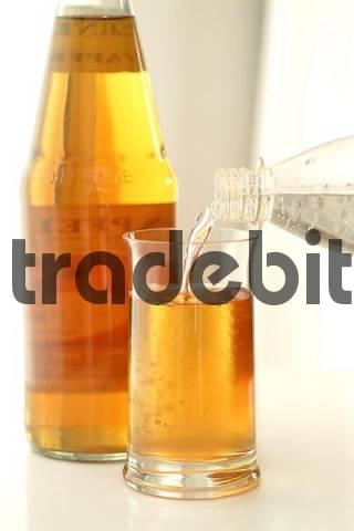 apfelsaft schorle mineralwasser /apple spritzer