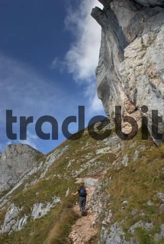climbing to Hochiss, Rofan, Brandenberg Alps, Eastern Alps, Tyrol, Austria