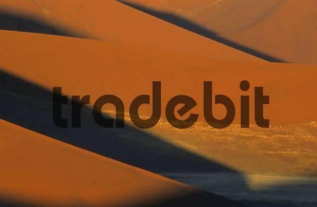 red sand dunes, Sossusvlei, Namib-Naukluft National Park, Namibia, Africa