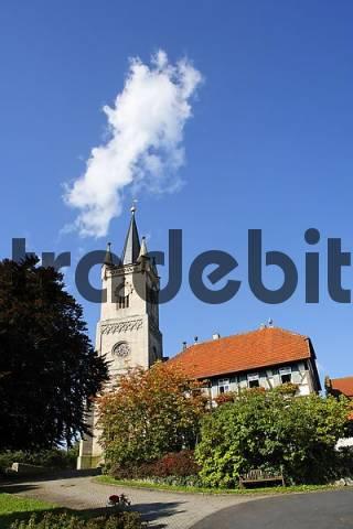 evangelische Kirche und Pfarrhaus in Urspringen, Rhön-Grabfeld, Unterfranken, Bayern