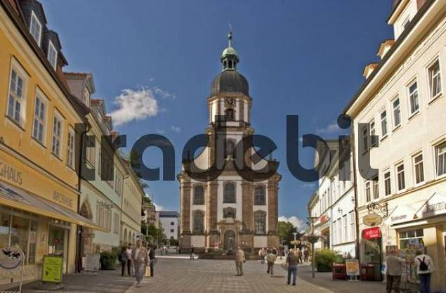 BRD Germany Thüringen Freestate Thüringen Suhl Centre for Hunting and Sporting Arms Landmark of the City the Memorial of the Armorer Pedestrian Zone at Steinweg with Baroque Crosschurch
