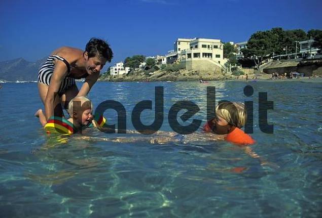 One-year-old and four-year-old swimming - Mallorca - Spain