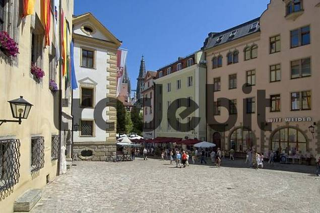 regensburg ratisbon oberpfalz bavaria germany in the historic cente. Black Bedroom Furniture Sets. Home Design Ideas