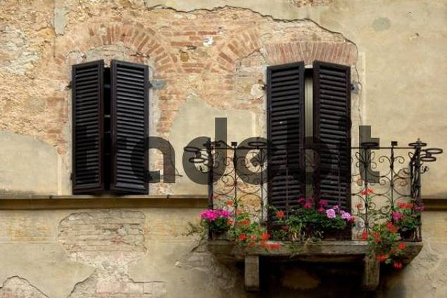 house front with balcony, Italy