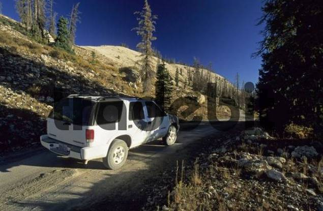 fourwheel drive vehicle on the Skyline Drive, Wasatch Plateau