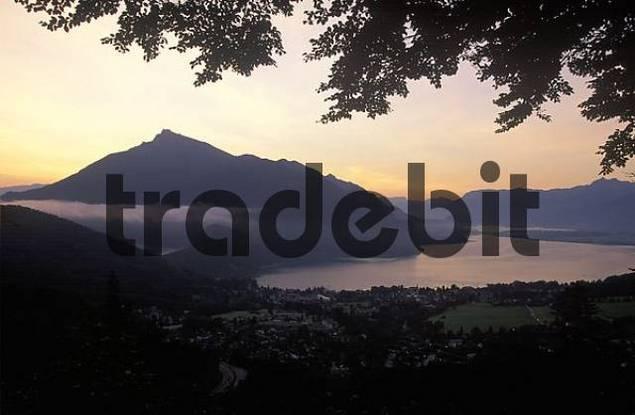 Wolfgangsee lake St. Gilgen Schafberg mountain Salzkammergut Austria morning light