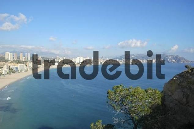 coastal landscape with view of the bay of Benidorm, Playa de Poniente, Costa Blanca, Spain