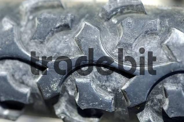 Profile of a mountain bike tire tyre