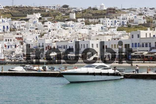 Historic centre and the harbour, Chora, Mykonos, Greece, Europe