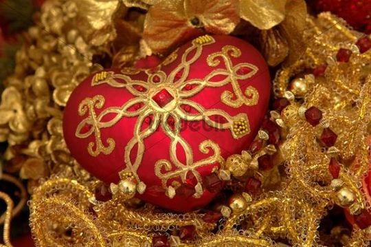 Ornate heart-shaped Christmas ornament