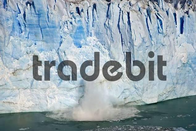 Ice breaks down from the glacier Perito Moreno, National Park Los Glaciares, Argentina, Patagonia, South America