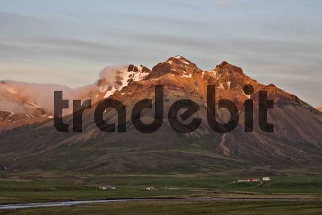 Mt. Staarfjall in the evening light, Bakkageri, Iceland, Atlantic Ocean