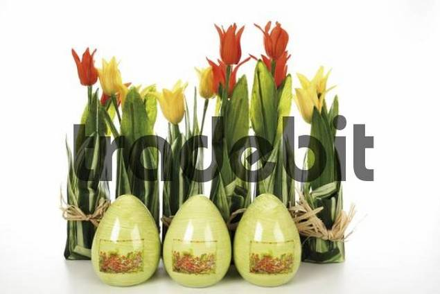 Easter decoration, tulips and eggs