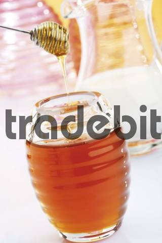 Honey jar, honey dripper