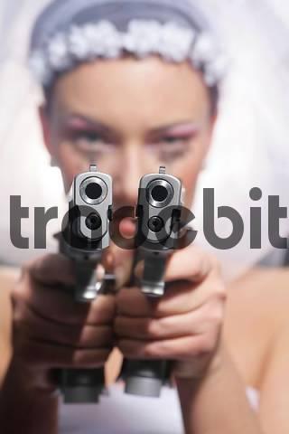 Gun-toting moll