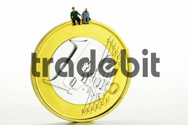 Senior couple on 1-Euro coin