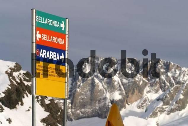 Sign marking slopes at Canazei Ski Resort, Sellaronda, Dolomiti Superski, Fassa Valley, Trentino, Italy