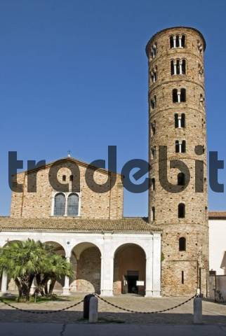 Round stone church bell tower and church, Basilica San Apollinare Nuova, Ravenna, Emilia-Romagna, Italy