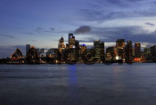 Sydney skyline with Sydney Opera House at dusk, Sydney, New South Wales, Australia