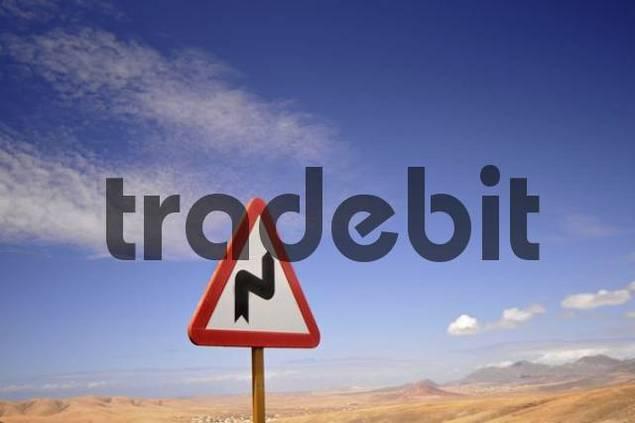 Traffic warning sign, winding road, Pajara, Fuerteventura, Canary Islands, Spain, Europe
