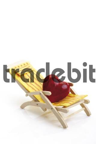 Heart on a deck chair