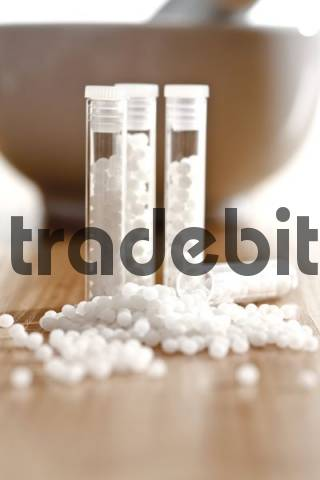 Glass tubes of homeopathic globules