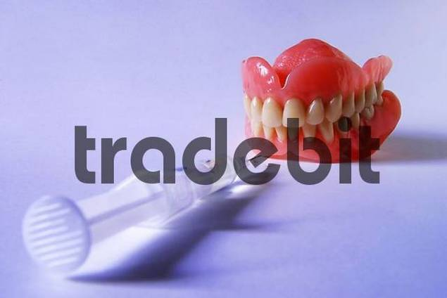 artificial denture with injections