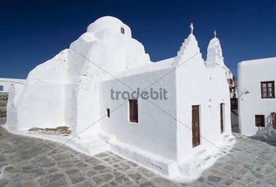 White church, Panagia Paraportiani, chapel in Mykonos City, Cyclades, Greece, Europe