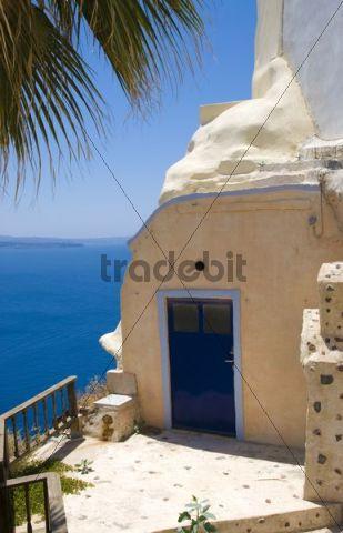 Front entrance, Oia, Santorin, Santorini, Cyclades, Greece, Europe