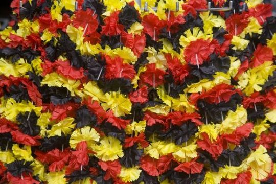 Garlands in the German national colours, black, red and gold