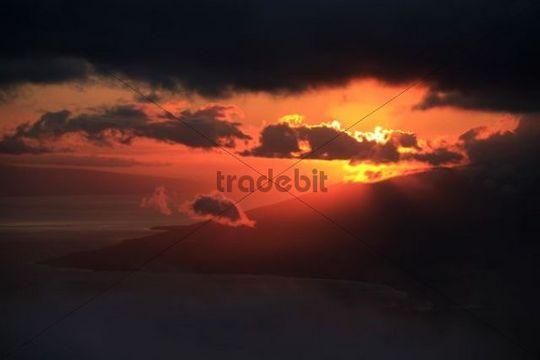 Sunset with a view towards the northwestern peninsula and Lanai, slope of the Haleakala Volcano, Maui Island, Hawaii, USA