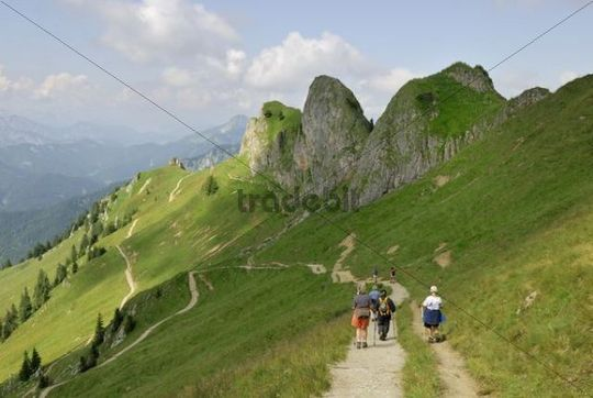 Mountain hikers in the Rotwand area, Mangfall Mountains, Upper Bavaria, Germany, Europe