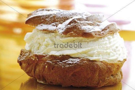 Cream puff with cream