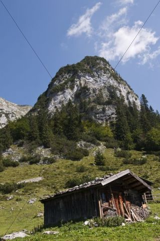 Hut on the Kaiser Hochalm or High Mountain Meadow on the Wilder-Kaiser-Steig or track up the Wild Keiser in the Kaisergebirge mountain range in Tyrol, Austria, Europe