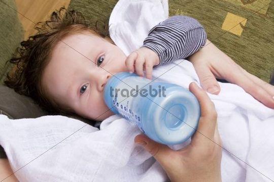 Baby 4 Monate Trinkt Schlecht