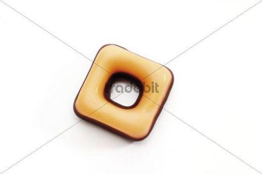 Sugar-coated fondant ring to hang on a Christmas tree