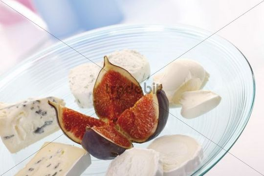 Fresh figs and assorted cheese, blue veined cheese, goat cheese, mascarpone