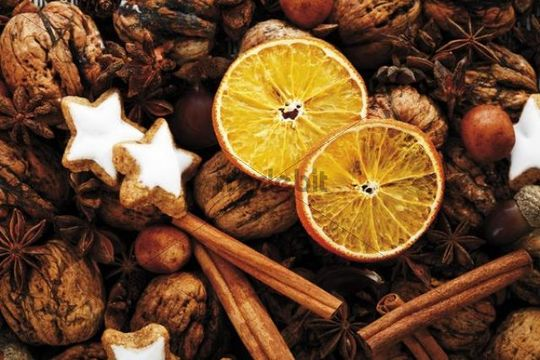 Dried slices of orange with Christmas decoration