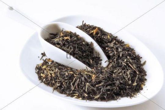 Black-Green tea mixture with rhubarb-plum taste