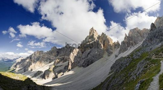 Peaks of the Puez mountains with Piz Duleda in Puez-Geisler National Park, Wolkenstein, Alto Adige, Italy, Europe