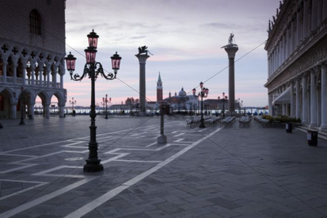 St. Mark´s Square with San Giorgio Maggiore at back, at dusk / Venedig, Venezien, Italy, Europe
