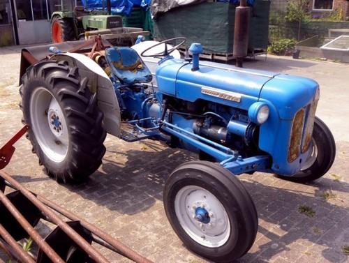 Super Dexta Tractor : Ford fordson dexta super power major