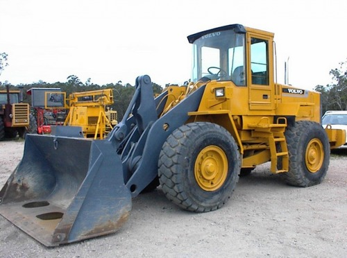 Pay for Volvo L90C Wheel Loader Service Parts Catalogue Manual INSTANT DOWNLOAD (SN: 14305-17000, 62463-65000, 70060-80000)